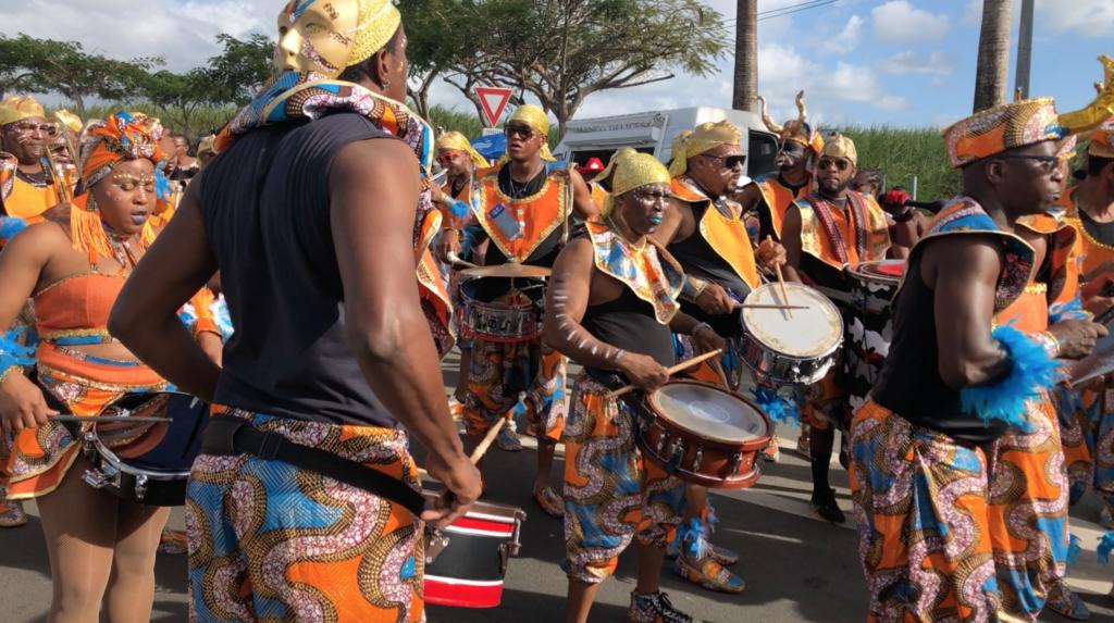 Musiciens du groupe à caisses claires Double Face Guadeloupe